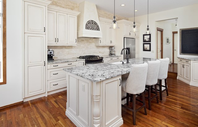 Traditional-Kitchens-151217-1
