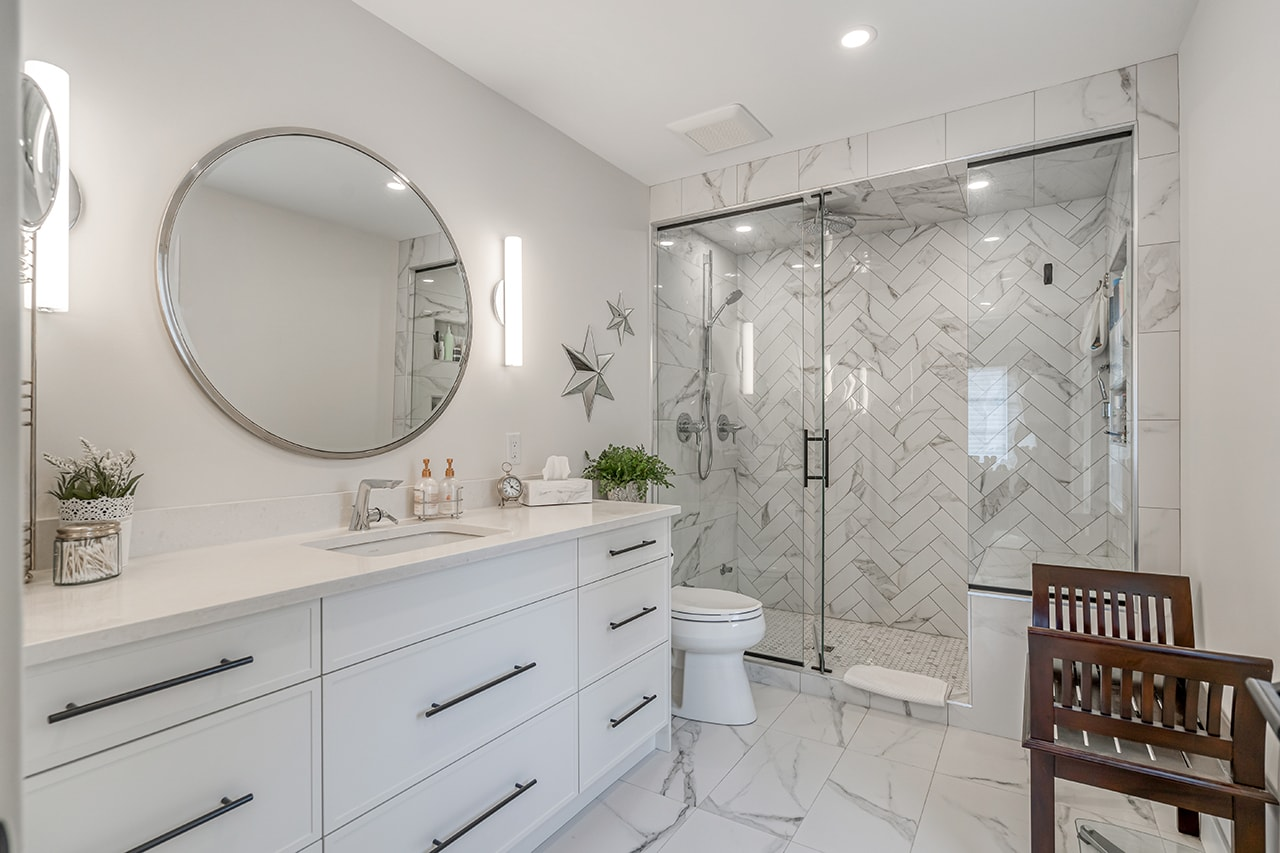 Family-Friendly Transitional Master Bathroom Renovation